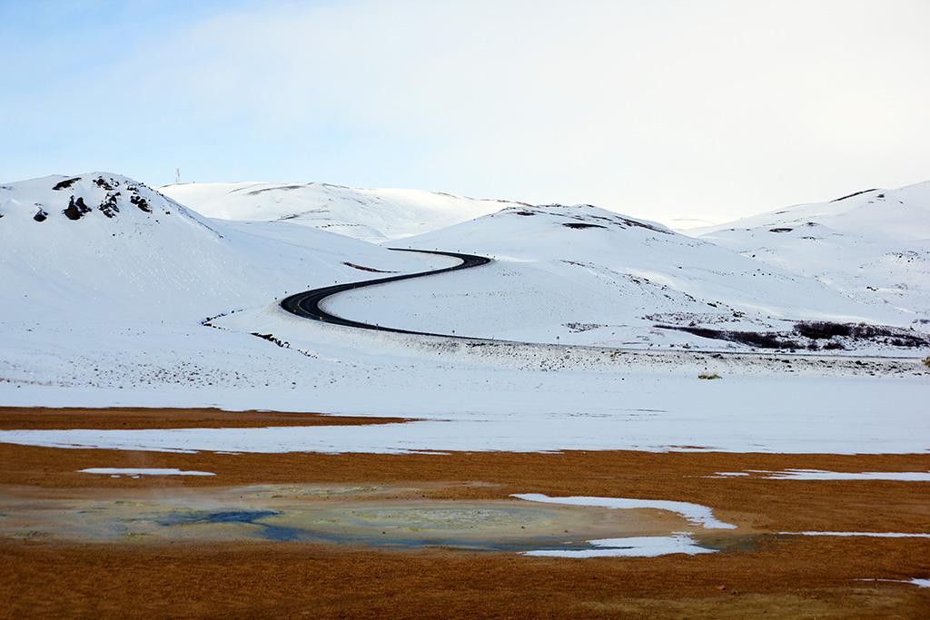 Vägen slingrar sig upp i bergen