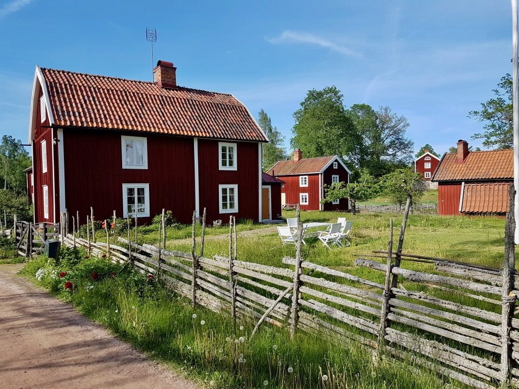 Stensjö by. Resa med barn.