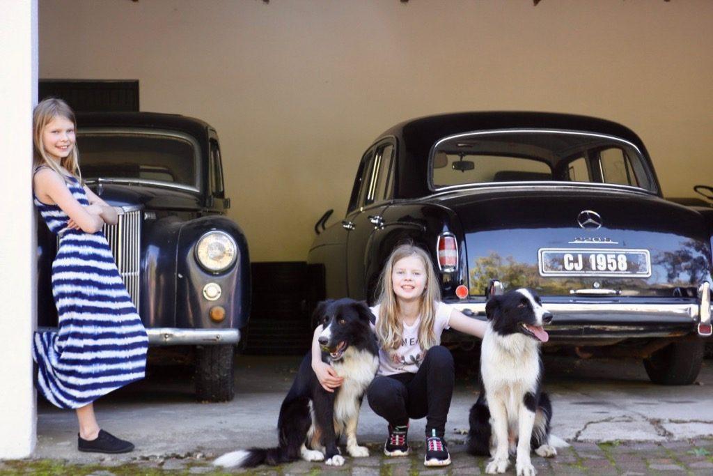 tjejerna med hundar